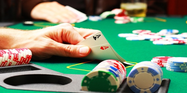 With Only $35 A Woman Earns $1.1 Million In Just One Night Playing Poker